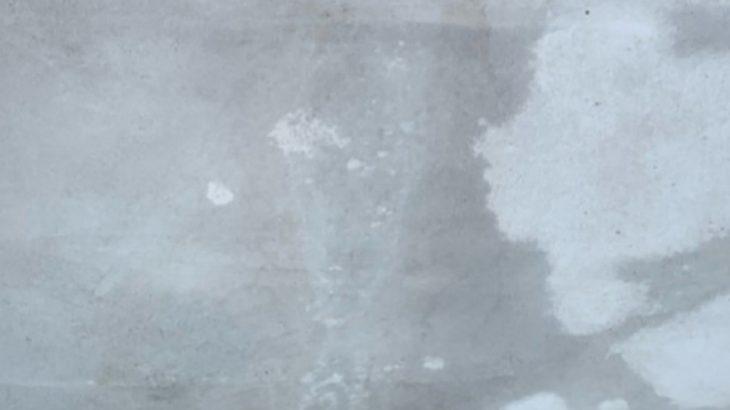 コンクリートの色ムラの画像 床塗装前