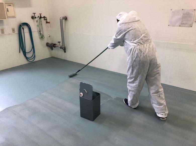 塗床の上塗り塗装
