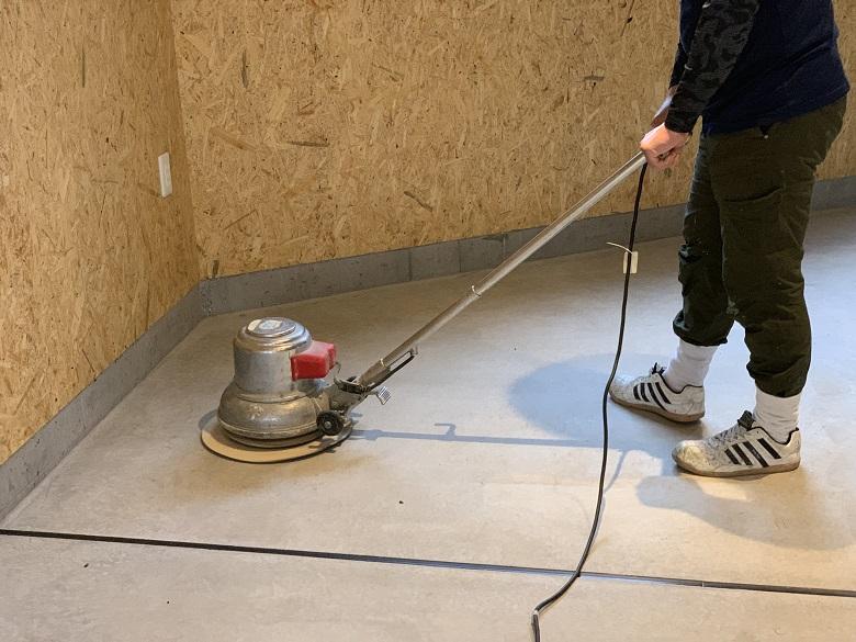 コンクリート床の研磨