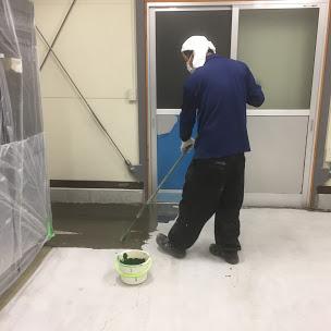 製パン工場の塗床工事中