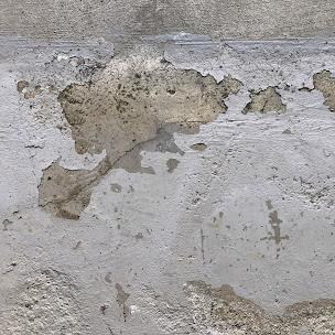 劣化したガレージ(車庫)の床